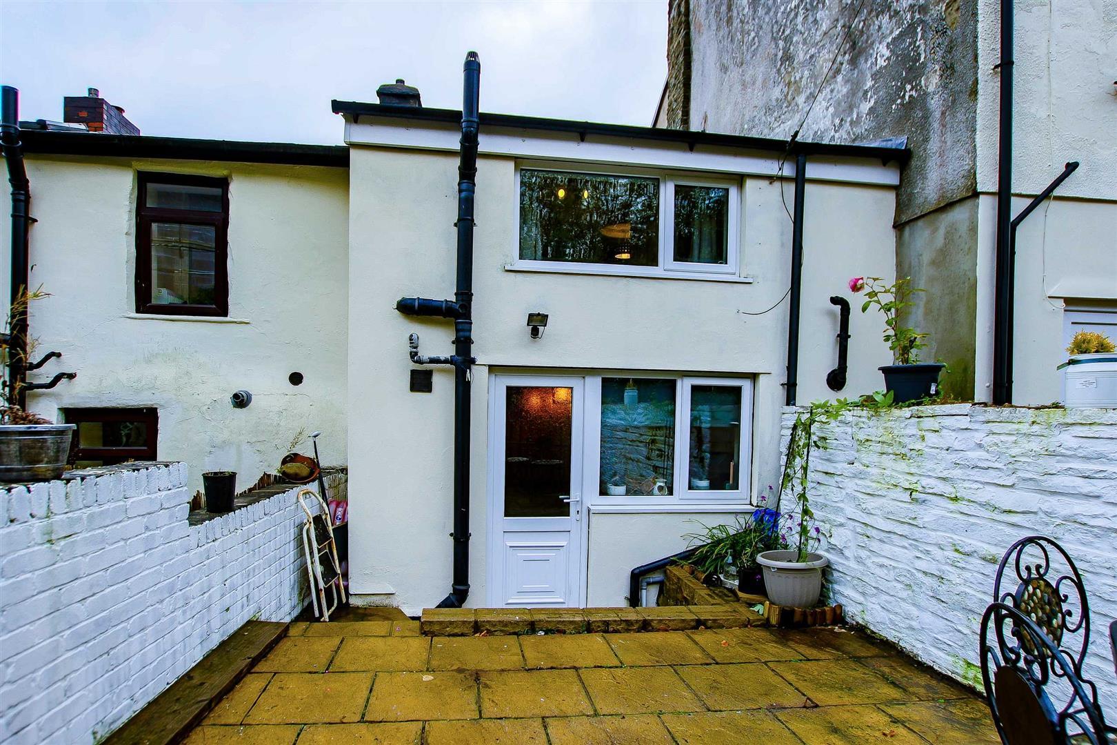 2 Bedroom Terraced Cottage For Sale - Image 8
